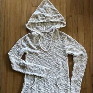 Roxy sweater hoodie. Super soft and comfy.